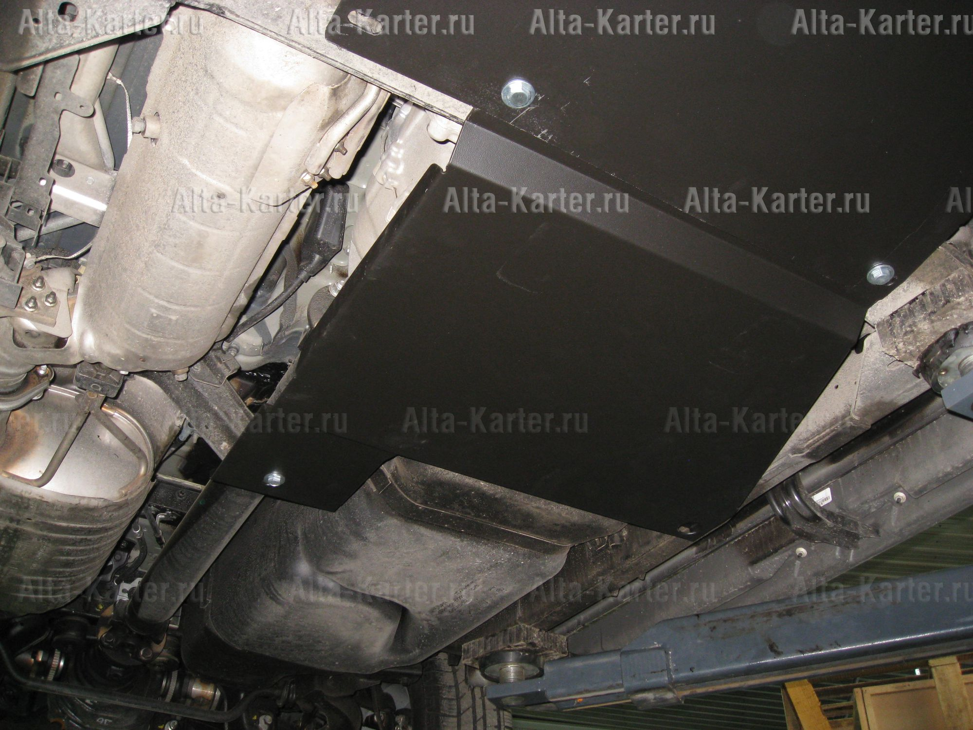 Защита Alfeco для раздатки Nissan Pathfinder R51 2004-2014. Артикул ALF.15.10